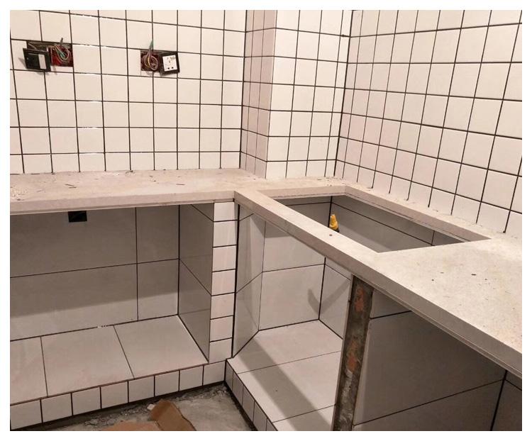 地下室地砖铺贴修补