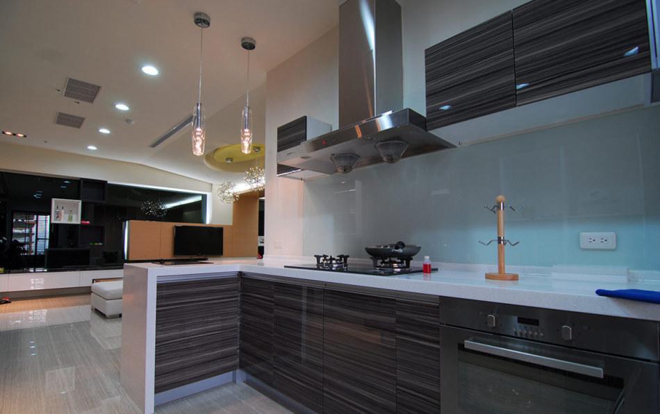 现代风格厨房烹调区设计图片