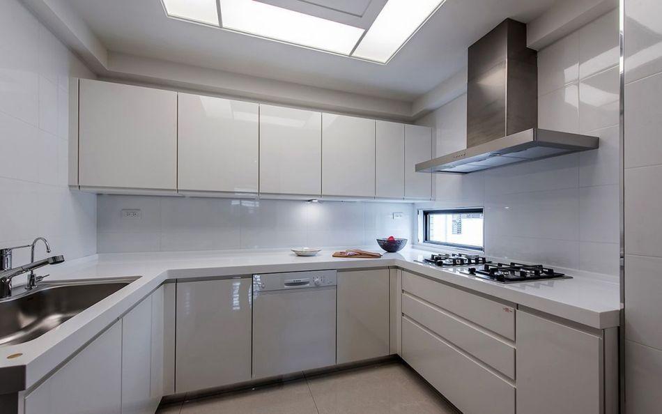 现代风格厨房设计效果图