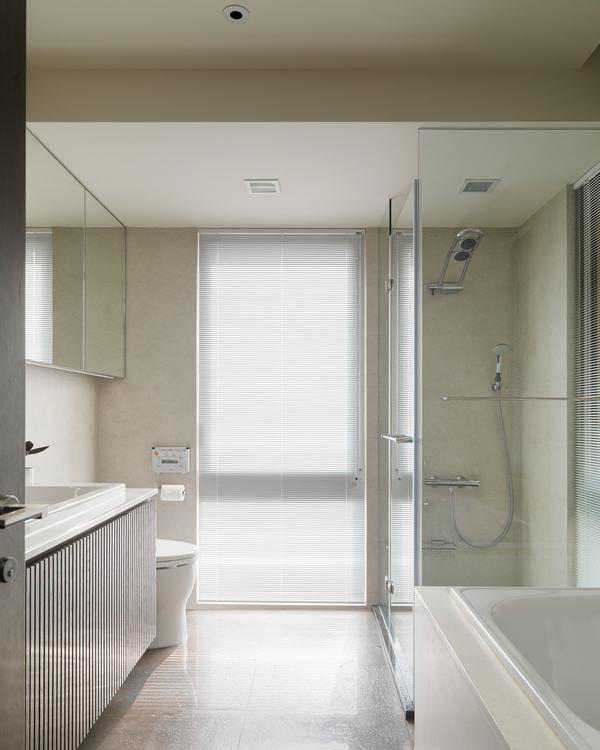 现代风格女主浴设计图片