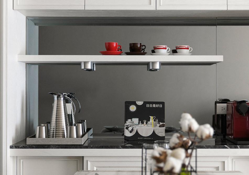 现代风格展示餐柜图片