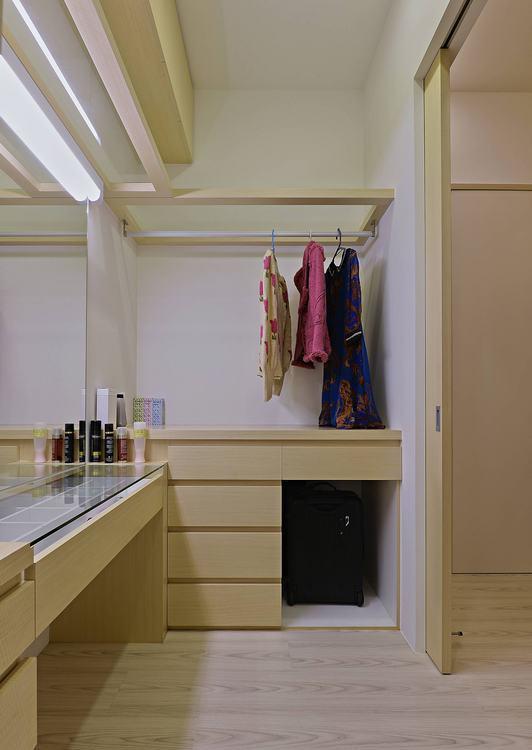 混搭风更衣室装修案例