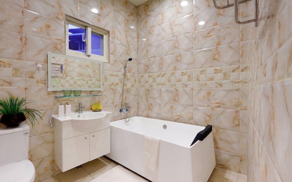 休闲多元三楼卫浴图片