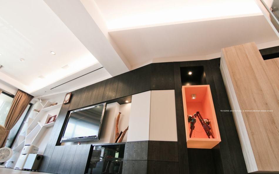 休闲多元客厅/电视造型柜图