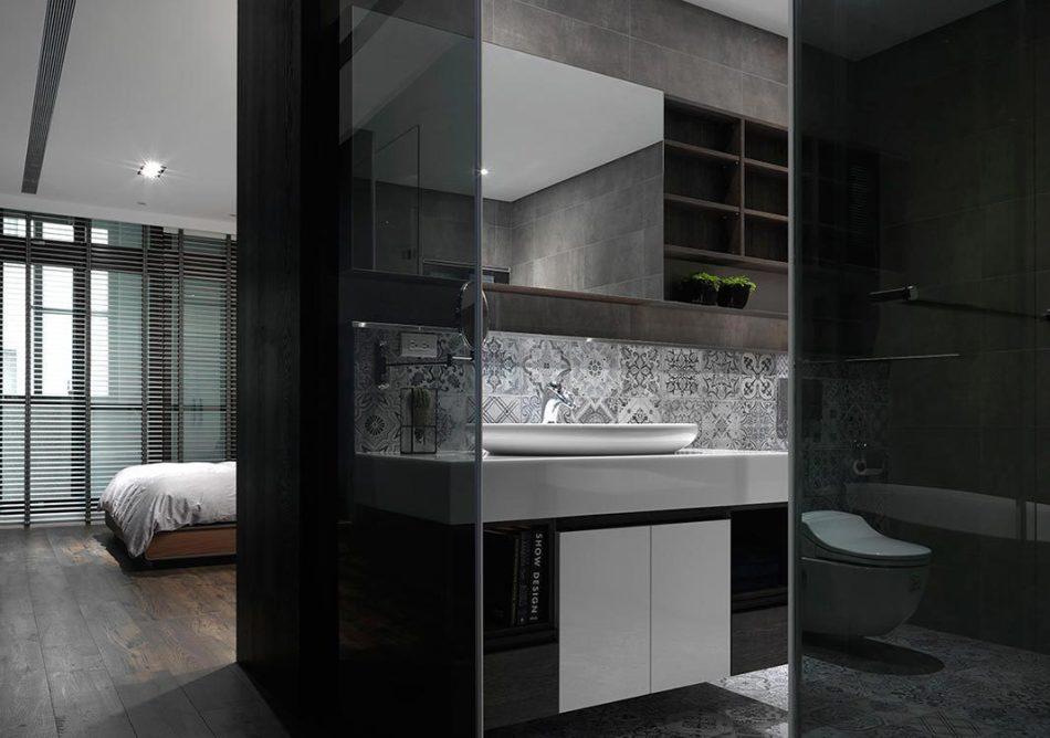 现代风格主卫浴设计图片
