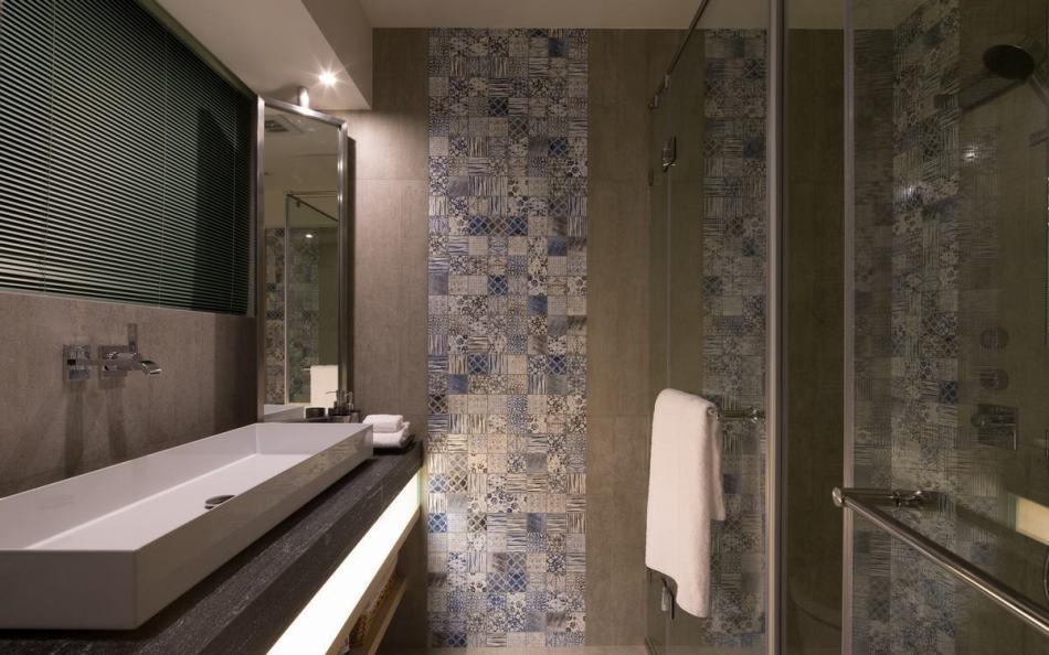 现代风格主卧卫浴设计图片