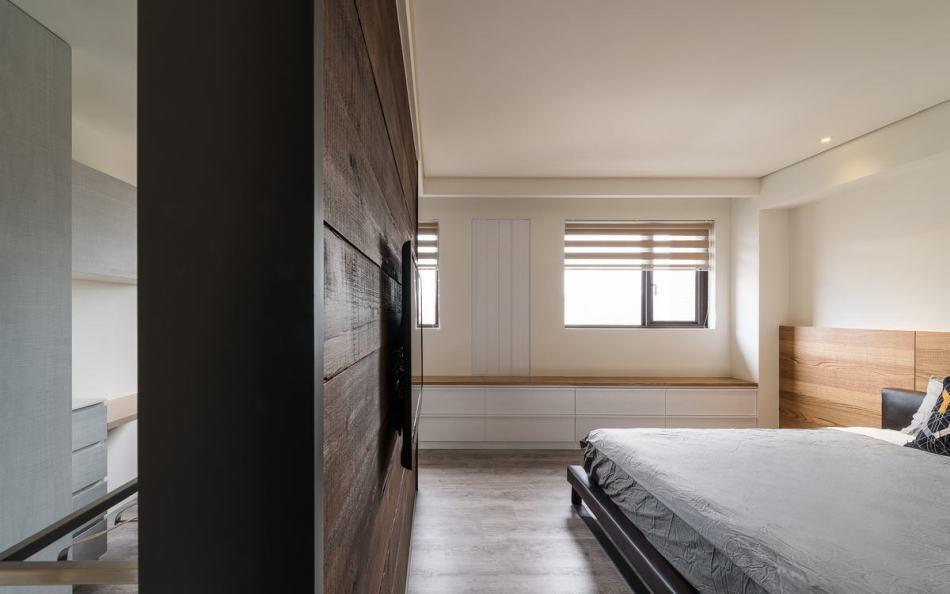现代风格主卧室电视墙装修效果图