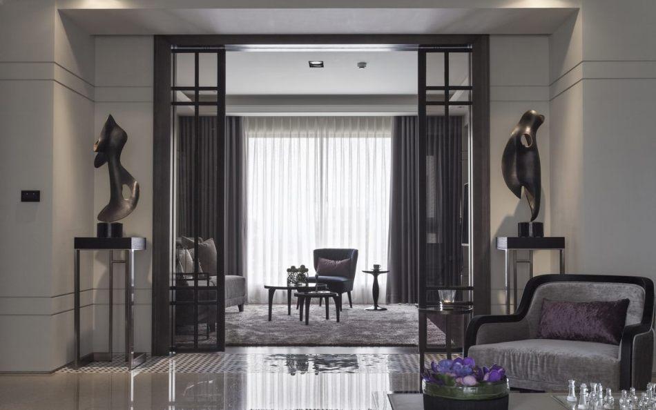 古典风格客厅望向起居室装修效果图