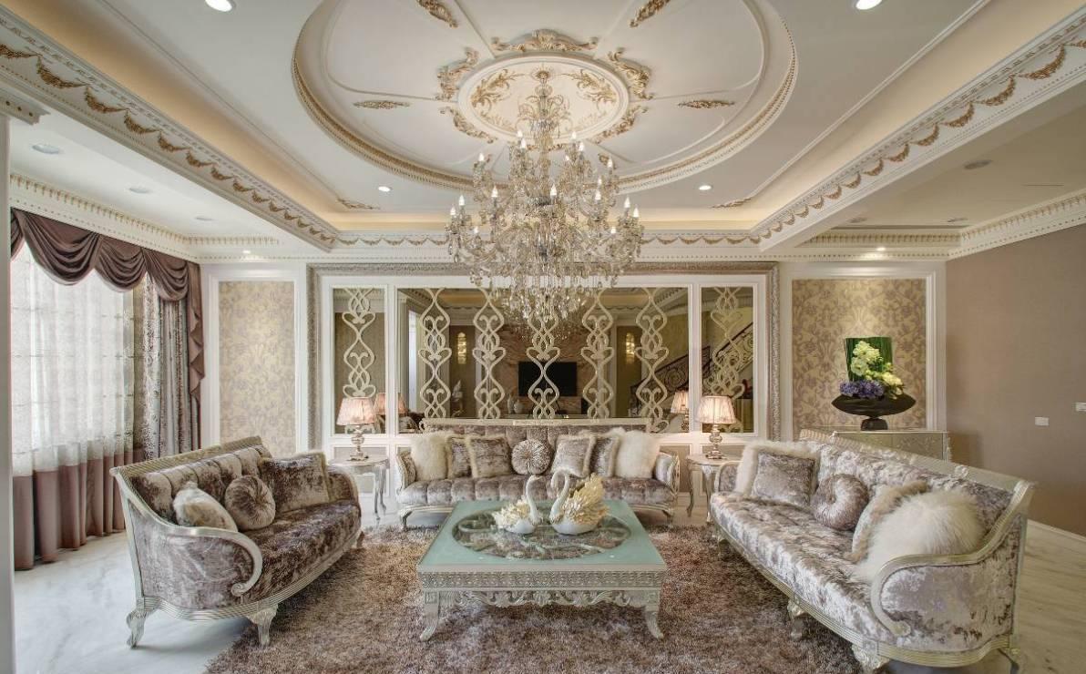 新古典沙发背墙图