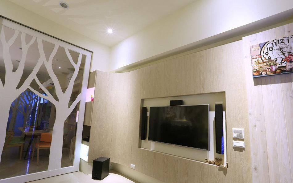 混搭风电视墙装修效果图
