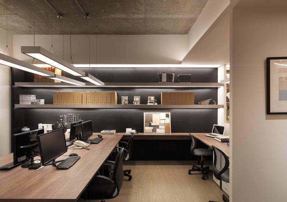 现代风格办公区装修效果图