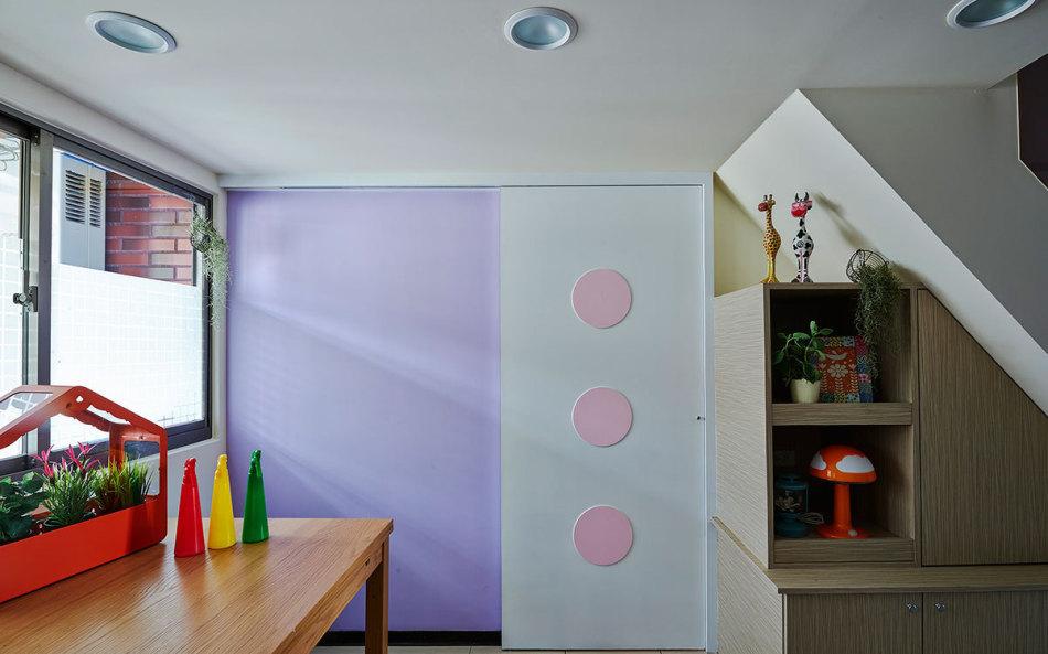 现代风格小孩房入口图片