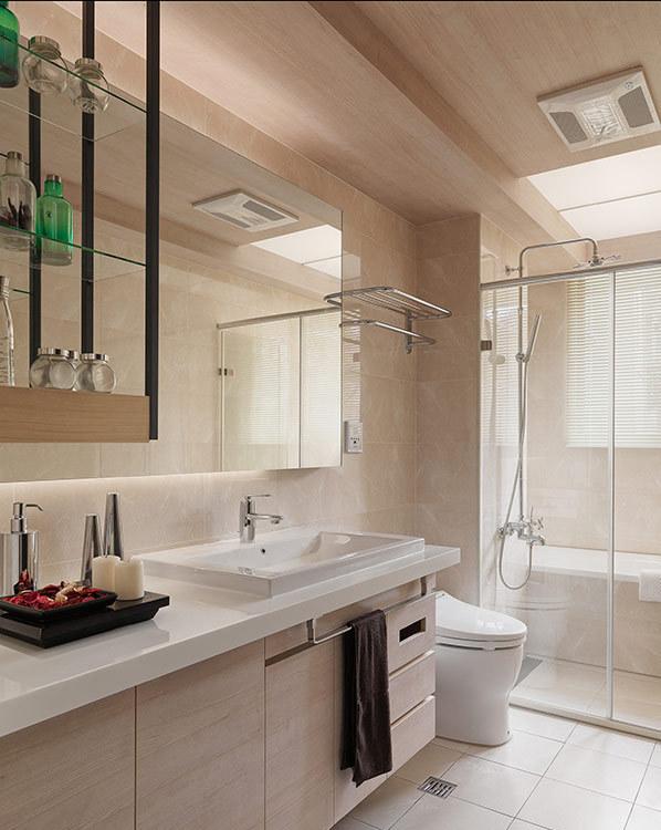 现代风格主卧卫浴图