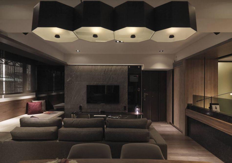 现代风格玄关与电视墙设计图片