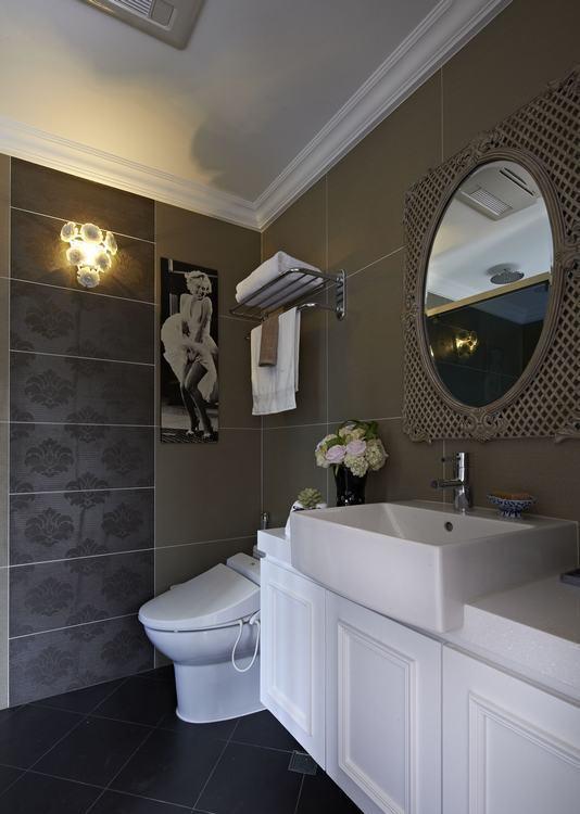 古典风格主卧卫浴装修案例