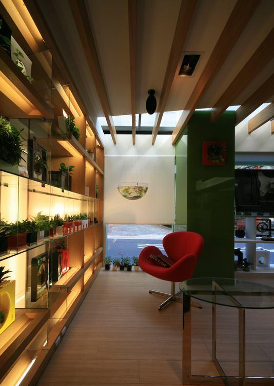 休闲多元橱窗展示设计图片