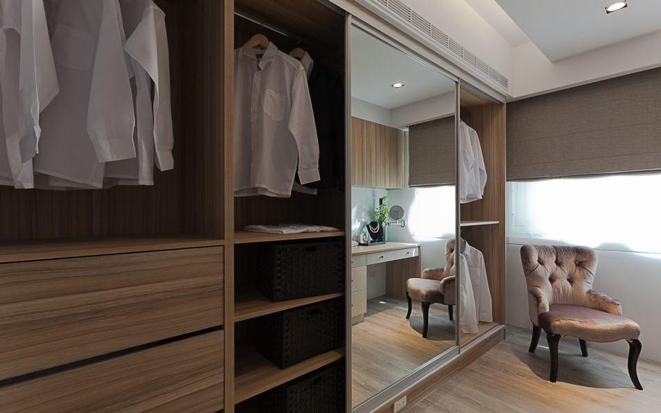 休闲多元更衣室设计效果图