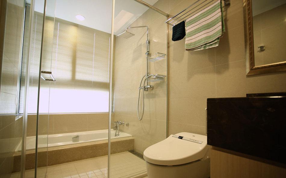 现代风格主卫浴图片