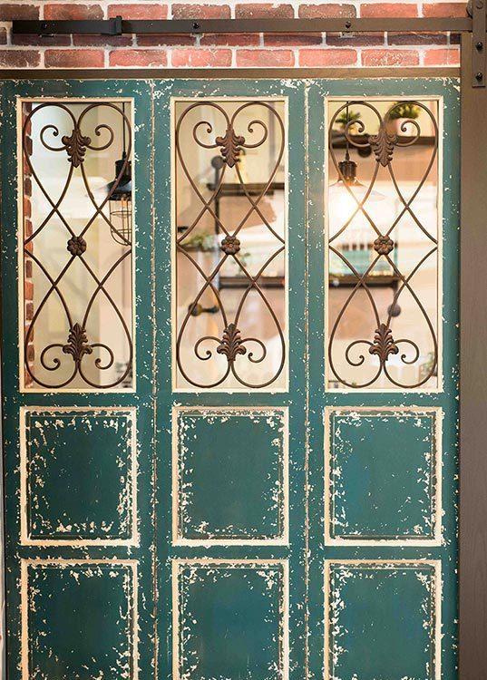 异国风格古董窗设计图片