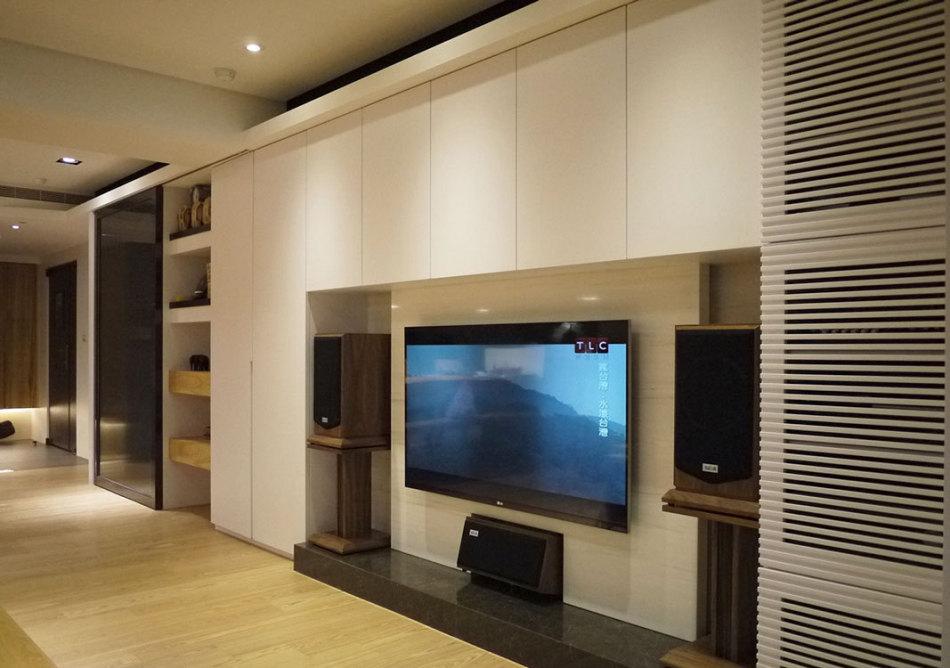 现代风格电视墙欣赏图