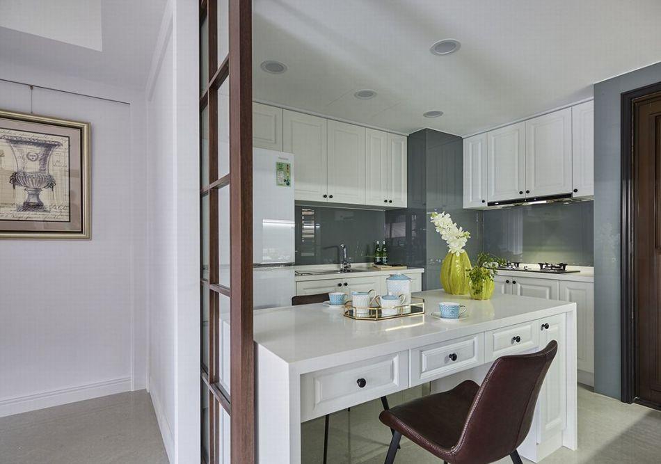 现代美式风格厨房中岛图