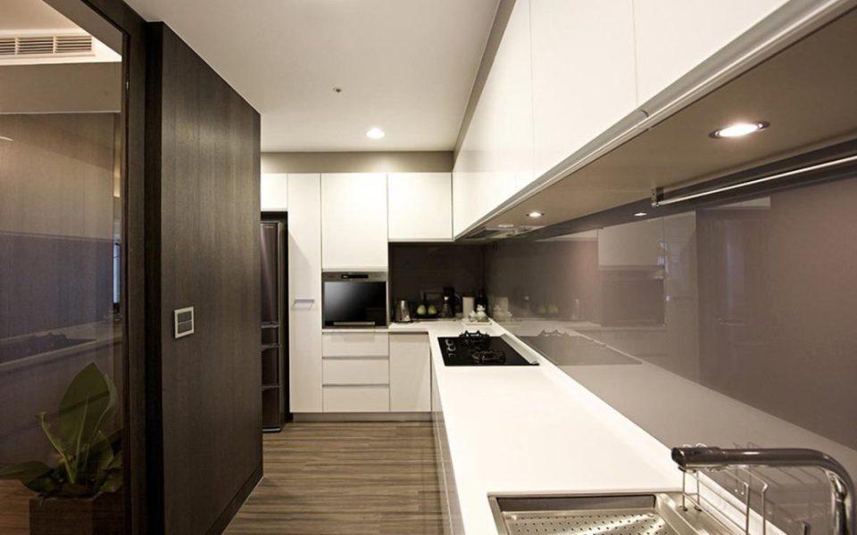 现代简约风厨房空间装修效果图