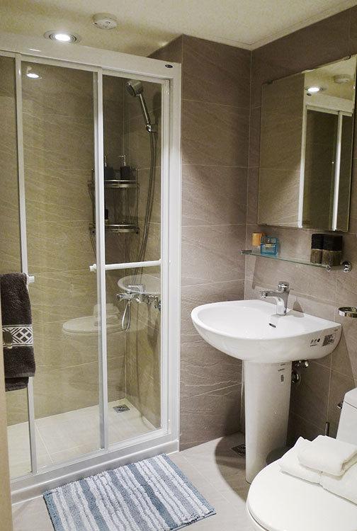 现代风格卫浴设计效果图