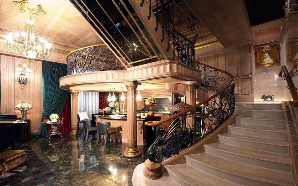 法式古堡风格梯间设计装修效果图