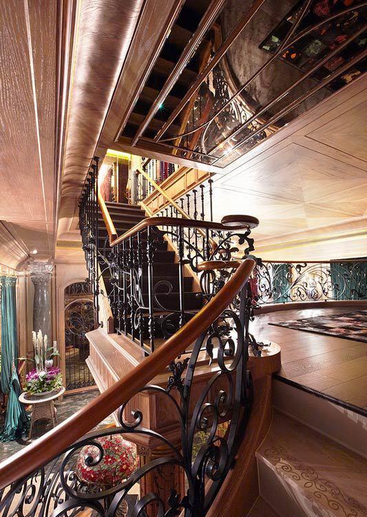 法式古堡风格垂直动线装修效果图