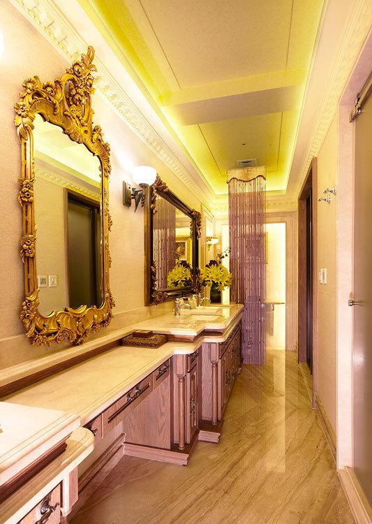 法式古堡风格卫浴空间装修效果图