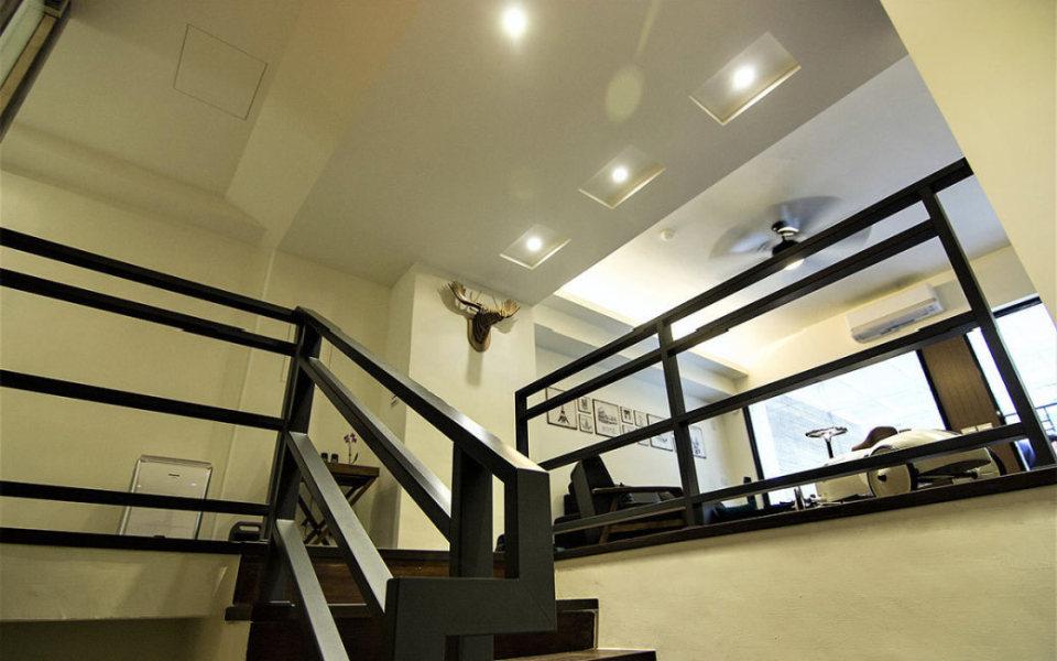 现代风格楼梯间设计图片