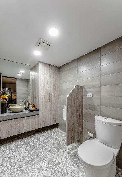 现代风格厕所设计图片