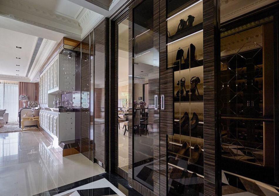 Art Deco奢华风格鞋柜展示装修案例