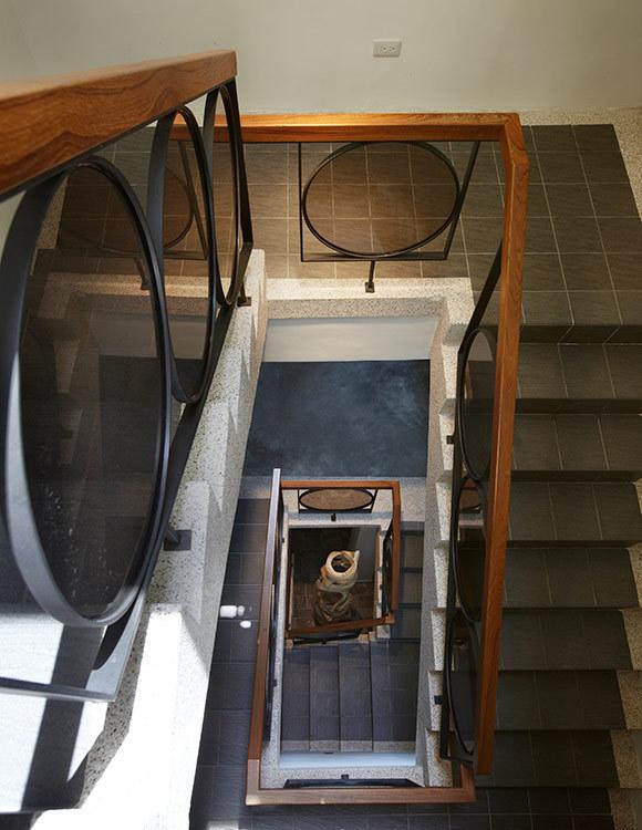 现代风格俯视楼梯装修效果图