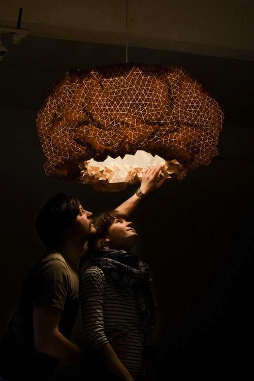 木头制成的吊灯