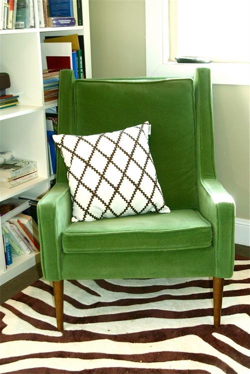 新鲜的绿色椅子