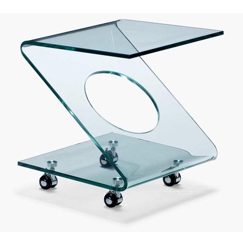圆滑和简单的鸡尾酒桌