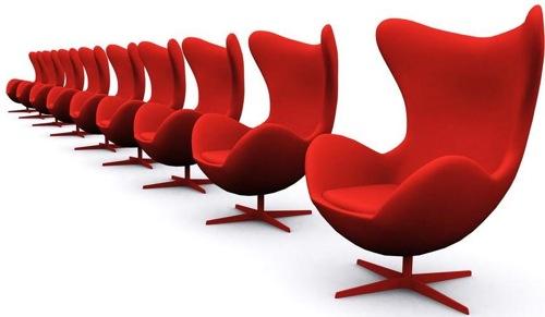 鲜红的椅子