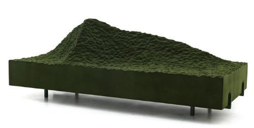 比利牛斯山脉的沙发