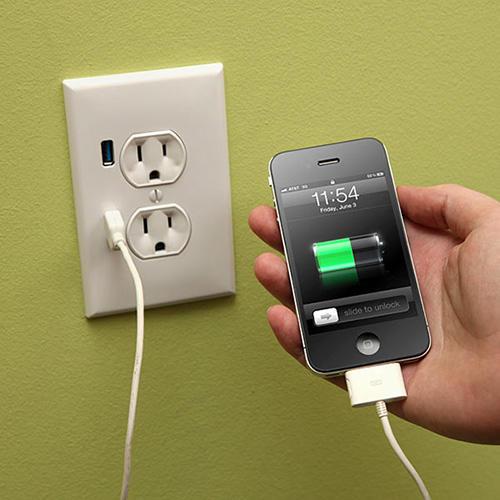 USB墙上插座充电