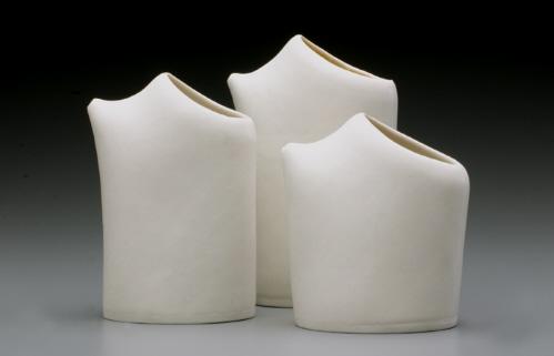 手制陶瓷水罐和碗