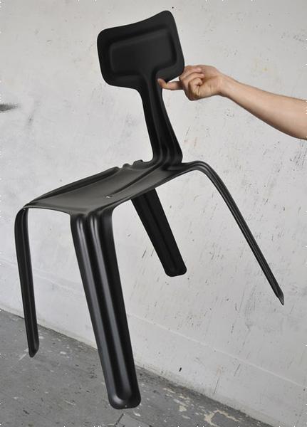 按下椅子是轻如鸿毛