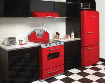 复古的现代厨房电器