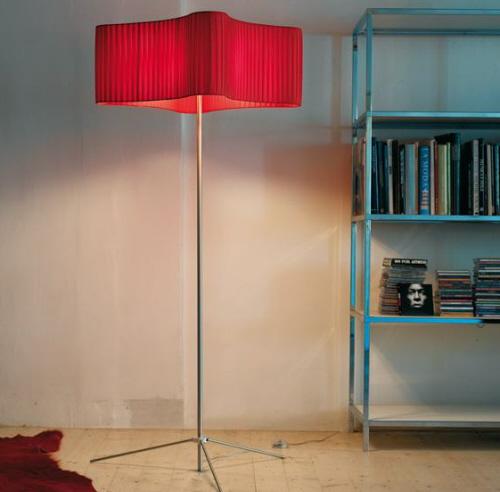 简洁和优雅落地支架灯
