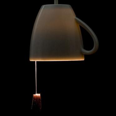 离奇设计风格的吊坠灯