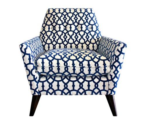 蓝色和白色图案的椅